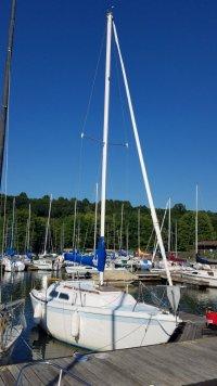 Ericson 25 docked.jpg